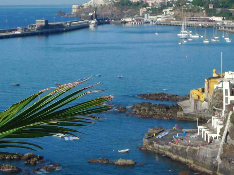 Seaside location in central Funchal